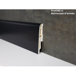 Battiscopa zoccolino nero in pvc resistente e antiumidità mm70x16