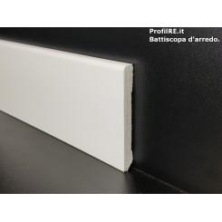 Battiscopa zoccolino impermeabile mm 80 x 10 bordo quadro