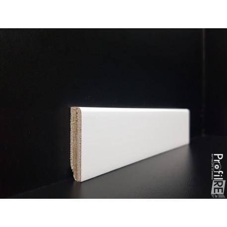 Battiscopa zoccolino basso laccato bianco in legno mm 40