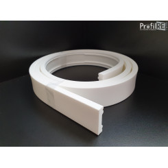 battiscopa curvabile 4 cm per pareti tonde e colonne bordo quadro