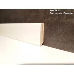 Battiscopa zoccolino basso laccato bianco ral 9010 in legno mm40x10