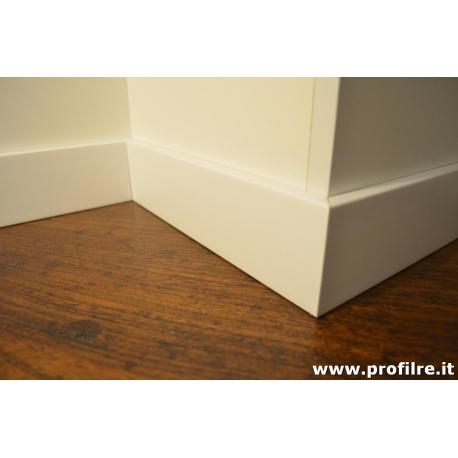battiscopa bianco in legno impiallacciato con bordo quadro mm80 x mm13