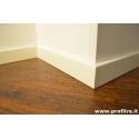 battiscopa bianco in legno moderno bordo squadrato basso mm50x13