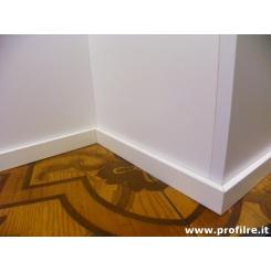 battiscopa laccato bianco in legno massello alto 5 cm spessore mm 10