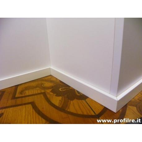 battiscopa laccato bianco in legno basso moderno massello con bordo quadro dimensioni mm50x10