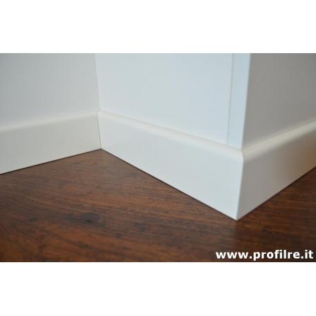 Battiscopa bianco ral 9010 in legno bordo tondo alto 75 mm